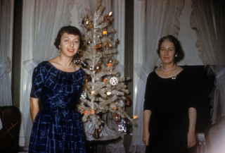 6-1958-12DoranKathleen-BettyXmas copy
